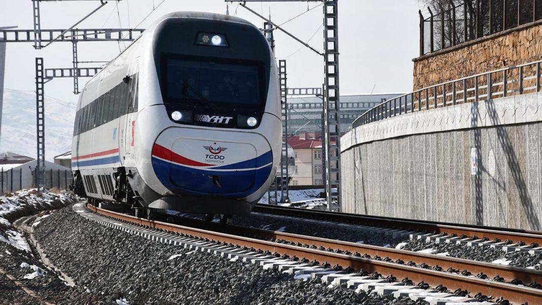 YHT İle Demiryolu Ulaşımında Yeni Döneme Geçildi